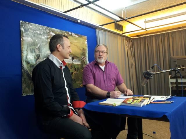 KRIMINAListenROMAN-Autor Bernhard Hatterscheid (links) und Moderator Volker Scherzberg (Bild: B. Hatterscheid)